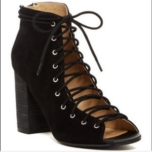 Chinese Laundry Lace-Up Bootie Black NWOT